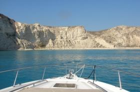We depart from Ierapetra port and heads to Koufonisi. Cruising in the turquoise blue waters of the Libyan Sea, and our yacht will anchor off the coast, giving you the chance to swim in the crystal clear waters of Koufonisisi.