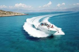 Nautilos Yachting welcomes you on board and promises a real experience! We guarantee a superb daily cruise to Chrissi Island.